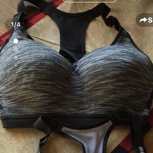 Victoria Secrets Max Sports Bra size 34 DDD NWOT